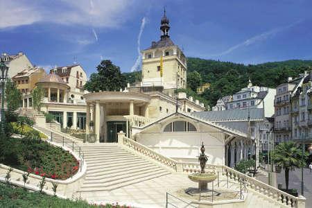 замковая колоннада Карловы Вары