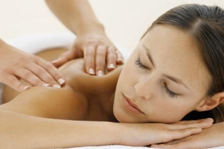 массаж в спа-салоне